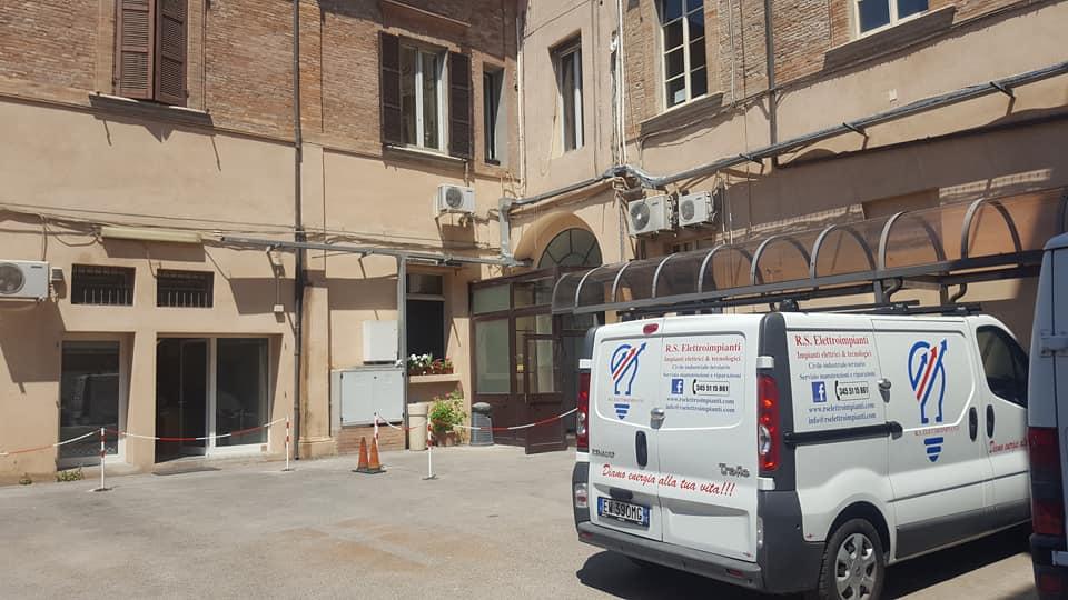 Manutenzione impianti elettrici della Questura e Prefettura di Forlì